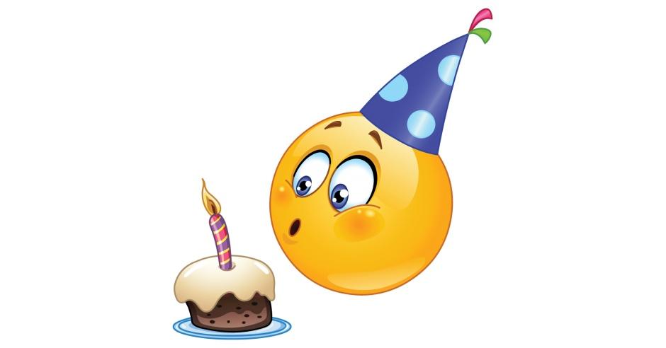 <b>Открытки</b> с днем рождения <b>смайлика</b>. Задцвание свечи смайлик